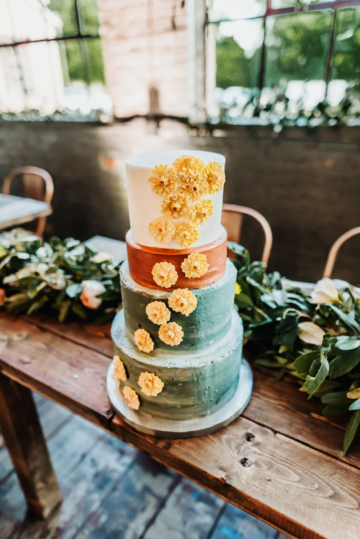 bröllop+industriellt+boho+tårta