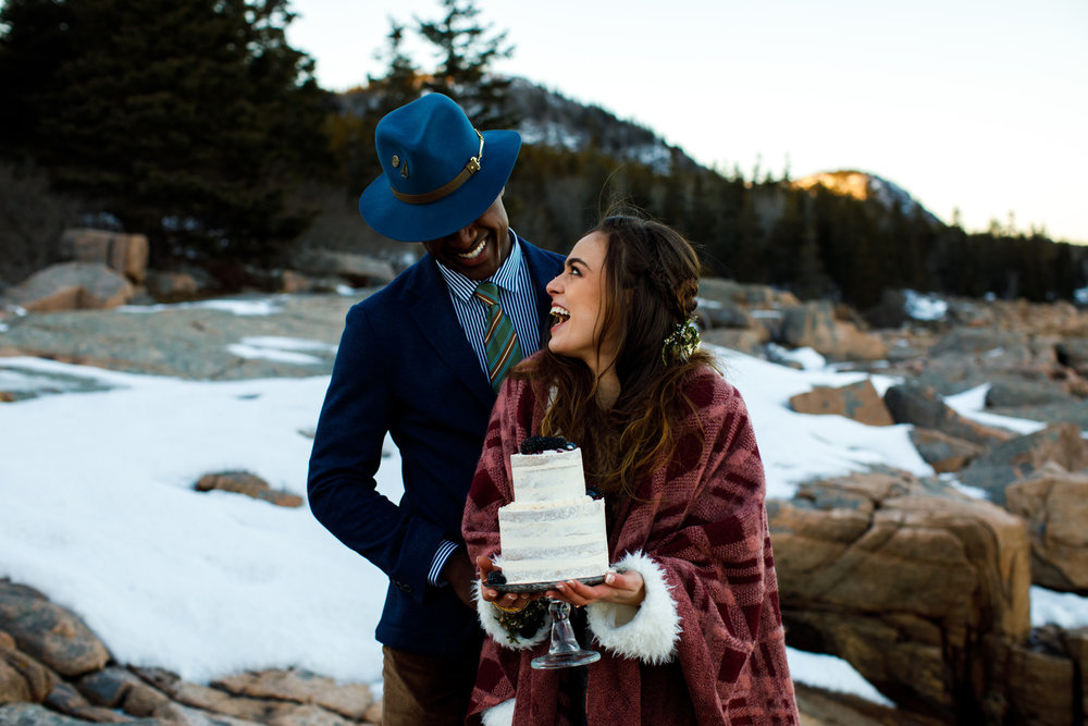 Boho+elopement+vinterbröllop+klädsel+tårta