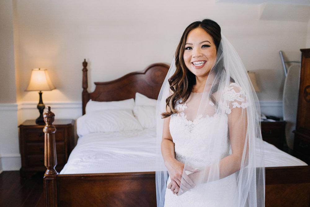 bröllop+romantiskt+elegant+slöja+brudklänning