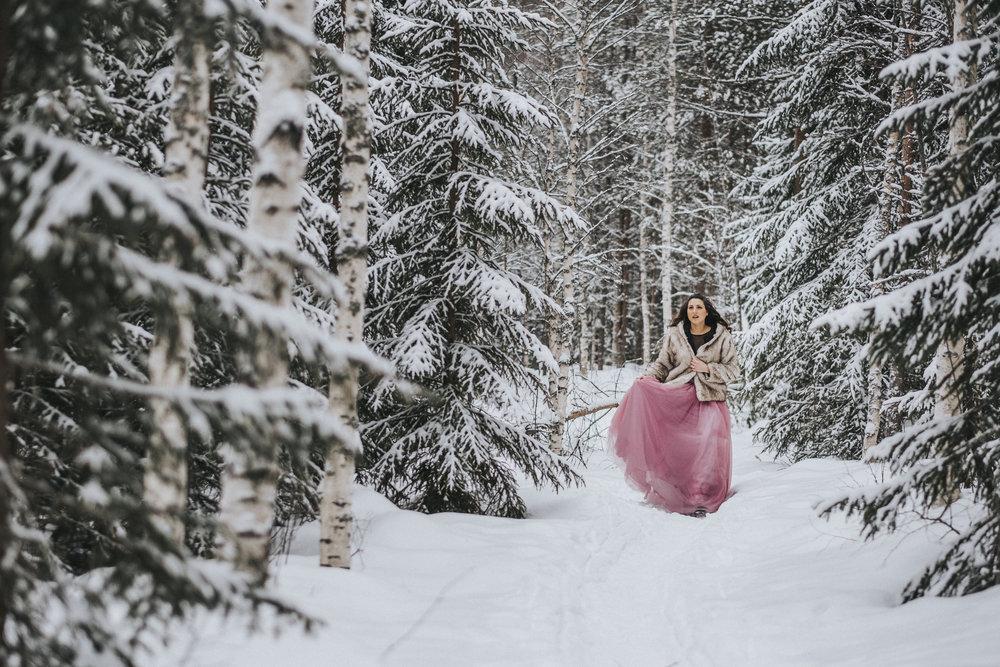 Fotograf Jonas Burman Ellen Marie Bridal Pink Tulle Skirt