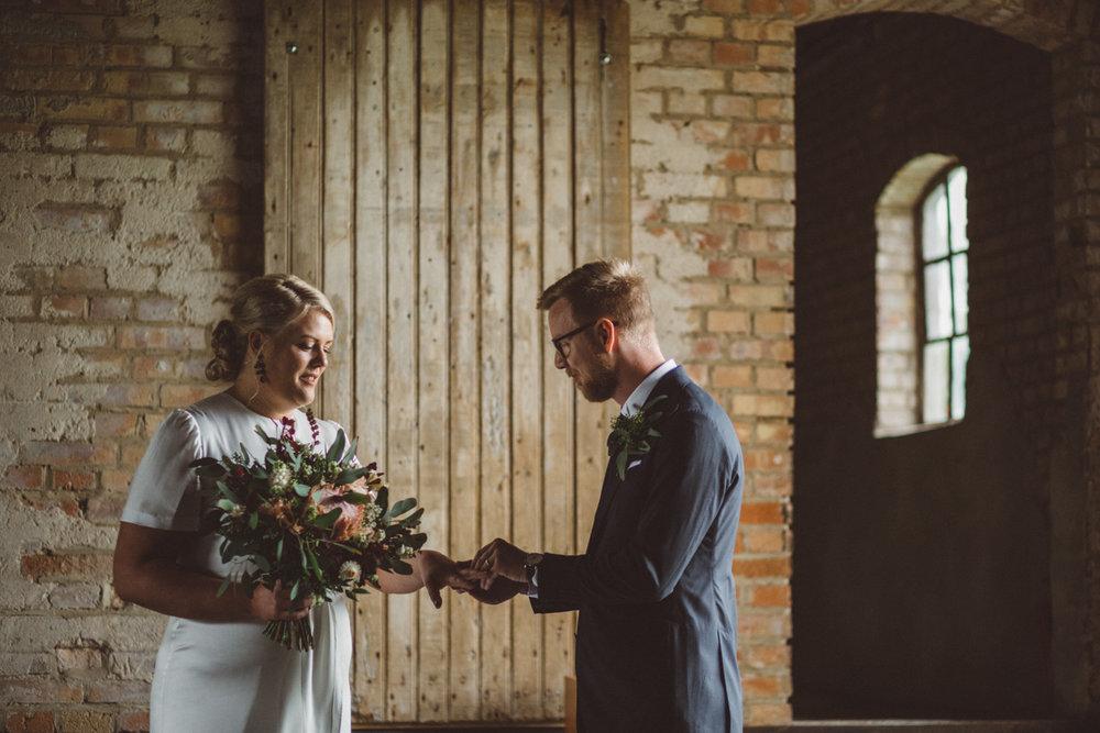 byta ringar bröllop
