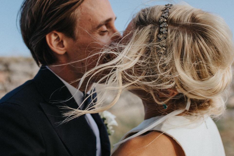 brudpar bröllop håruppsättning