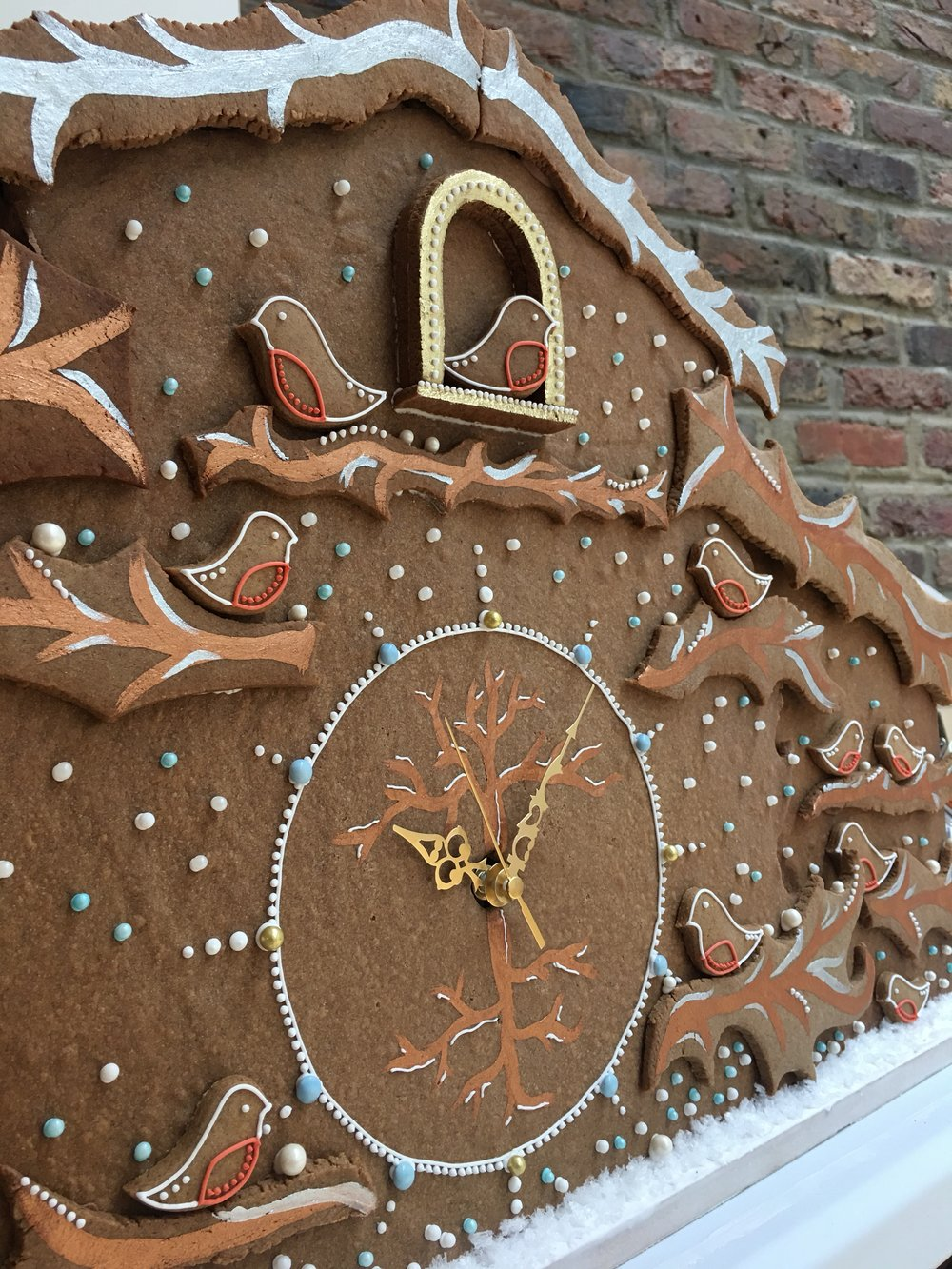 gingerbread clock