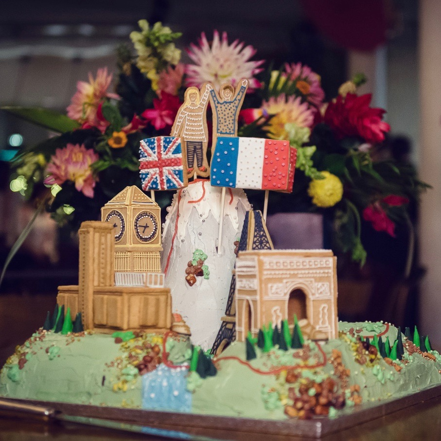 di and raph european cities landscape wedding cake.jpg