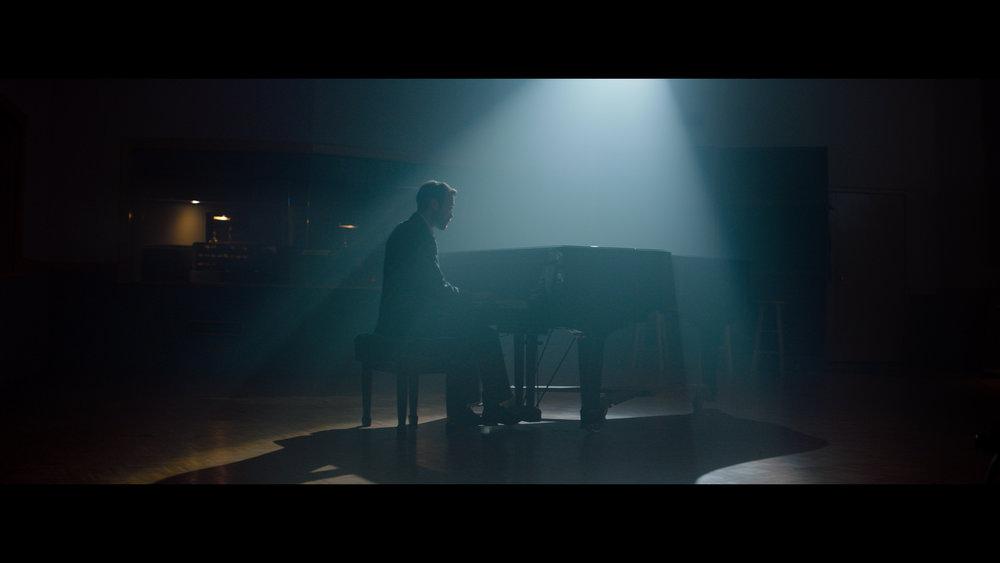 Alexa Mini Piano Jeff Color (Resolve).00_05_32_04.Still047.jpg