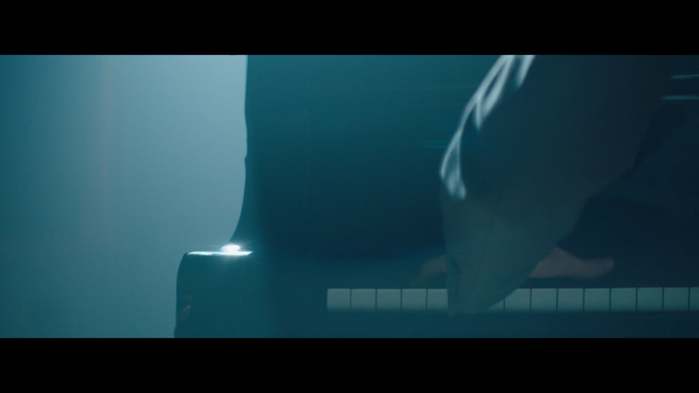 Alexa Mini Piano Jeff Color (Resolve).00_05_45_13.Still044.jpg
