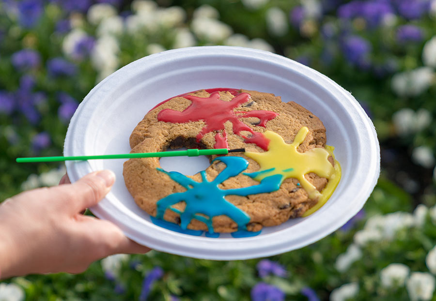 jumbo-artist-palette-cookie-2-Epcot-International-Festival-of-the-Arts-2018.jpg