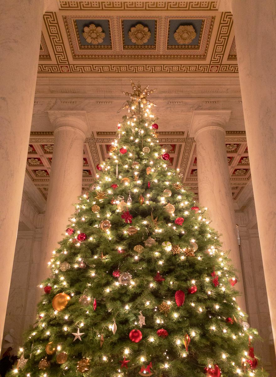 Supreme-Court-Christmas-Tree-2018-2.jpg