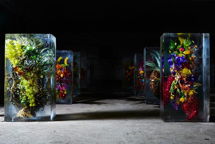 azuma-makoto-iced-flowers-designboom07.jpg