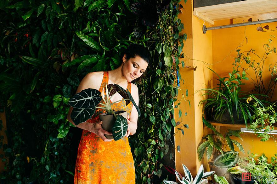 jungle-apartment-plants-summer-rayne-oakes-30.jpg