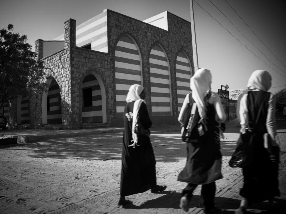 nyala-schoolgirls.jpg