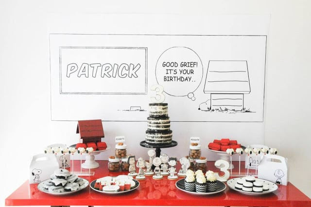 Snoopy party table