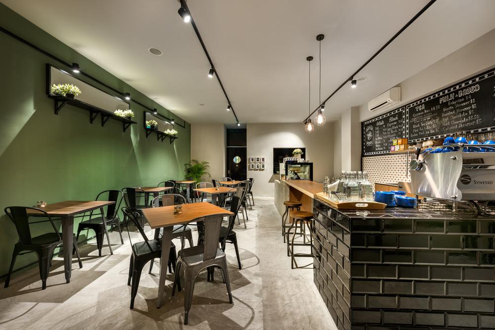 cafe 104 -2015.jpg