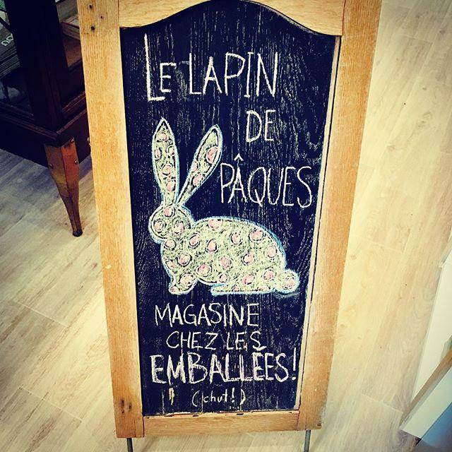 C'est la vérité! Pour vos besoins en chocolat, faites comme le lapin de Pâques et passez nous voir! #lesemballees #rosemont #mtlfood #chocolat #chocolate #paques #easter #easterbunny #lapindepaques