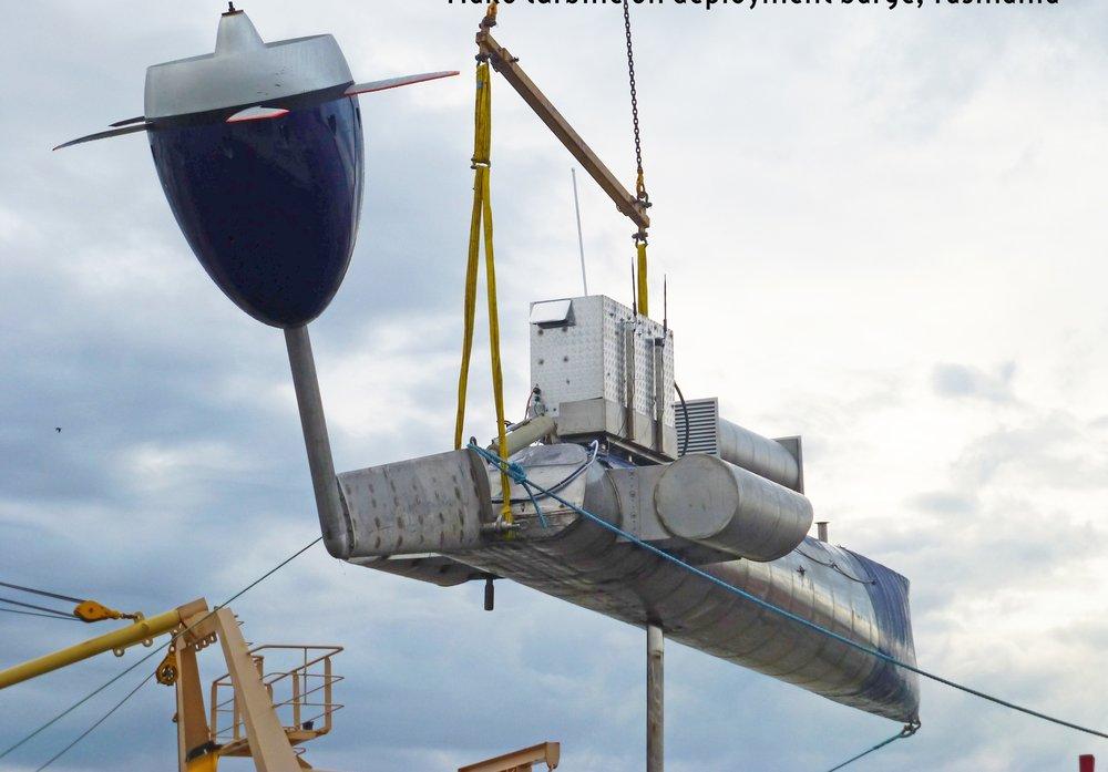 MAKO turbine unloaded in Tasmania for Tamar River testing