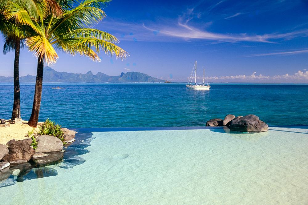 960-01896-02-Lagoon-View-over-Infinity-Pool-2.jpg