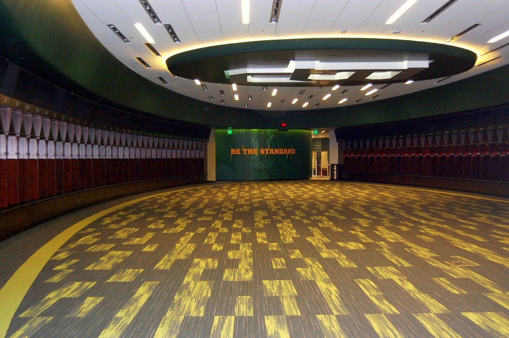 Baylor_McLane_Stadium_Locker_Room.JPG