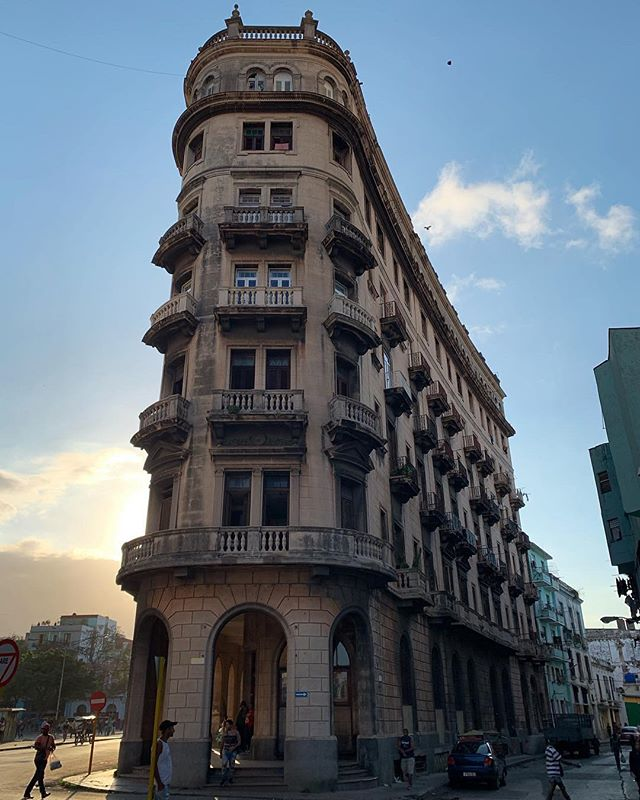 Havana's #flatiron building, standing tall atop Zanja y Dragones. #Cuba has #architecture from every era since the 1500s!