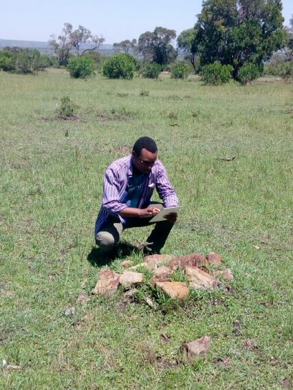 Jones Mwangangi working in the field, Mara north Conservancy
