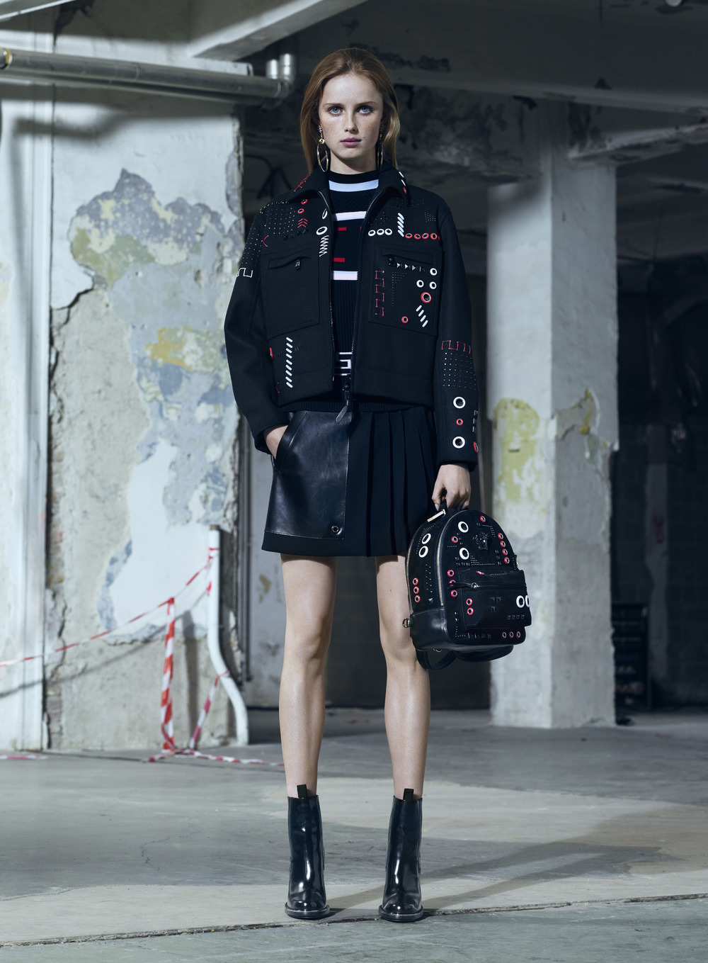 Versace Pre-Fall 16 Women's Look 16.jpg