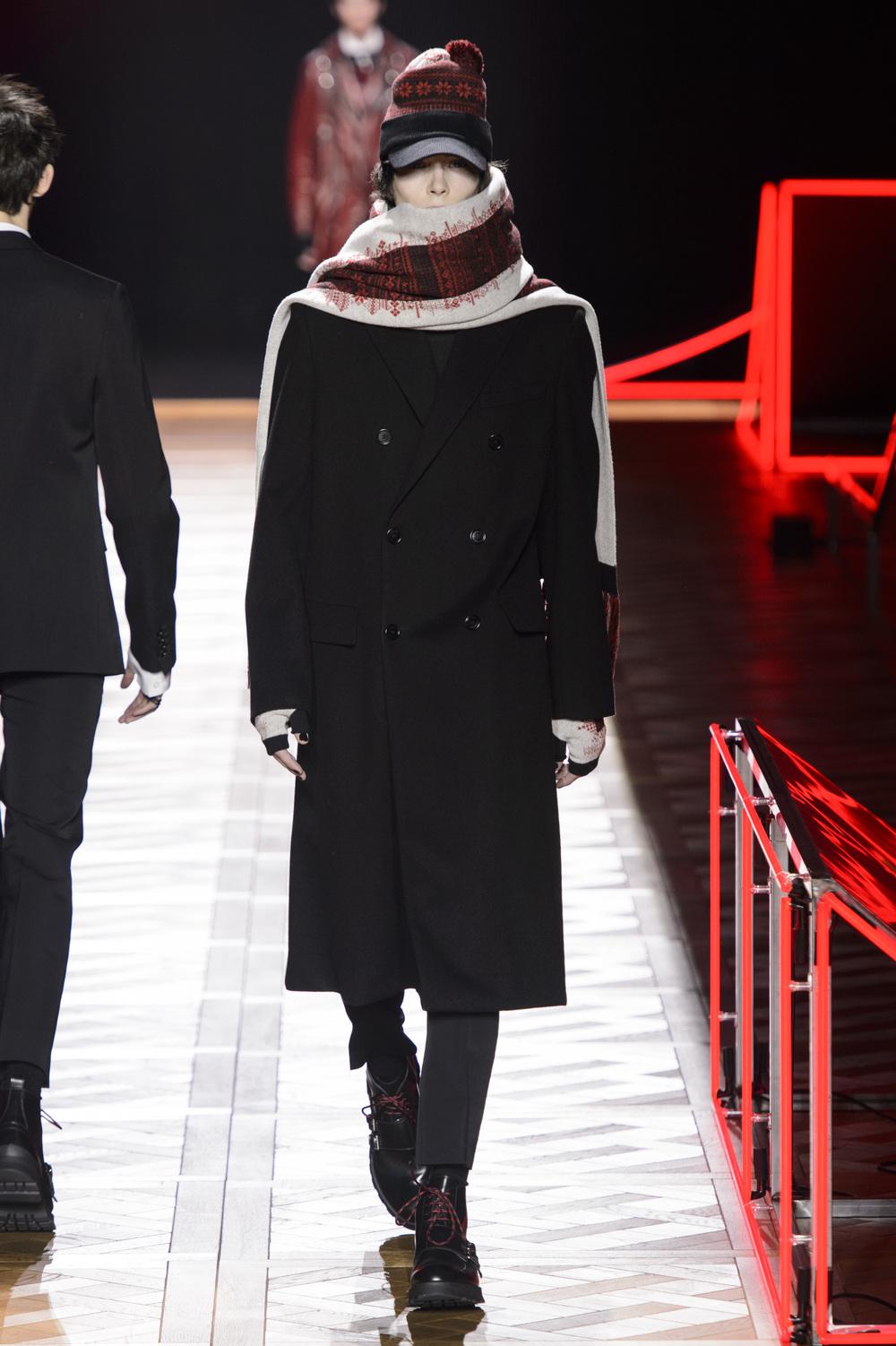 Dior_Homme_Hiver2016-17_look_06.JPG