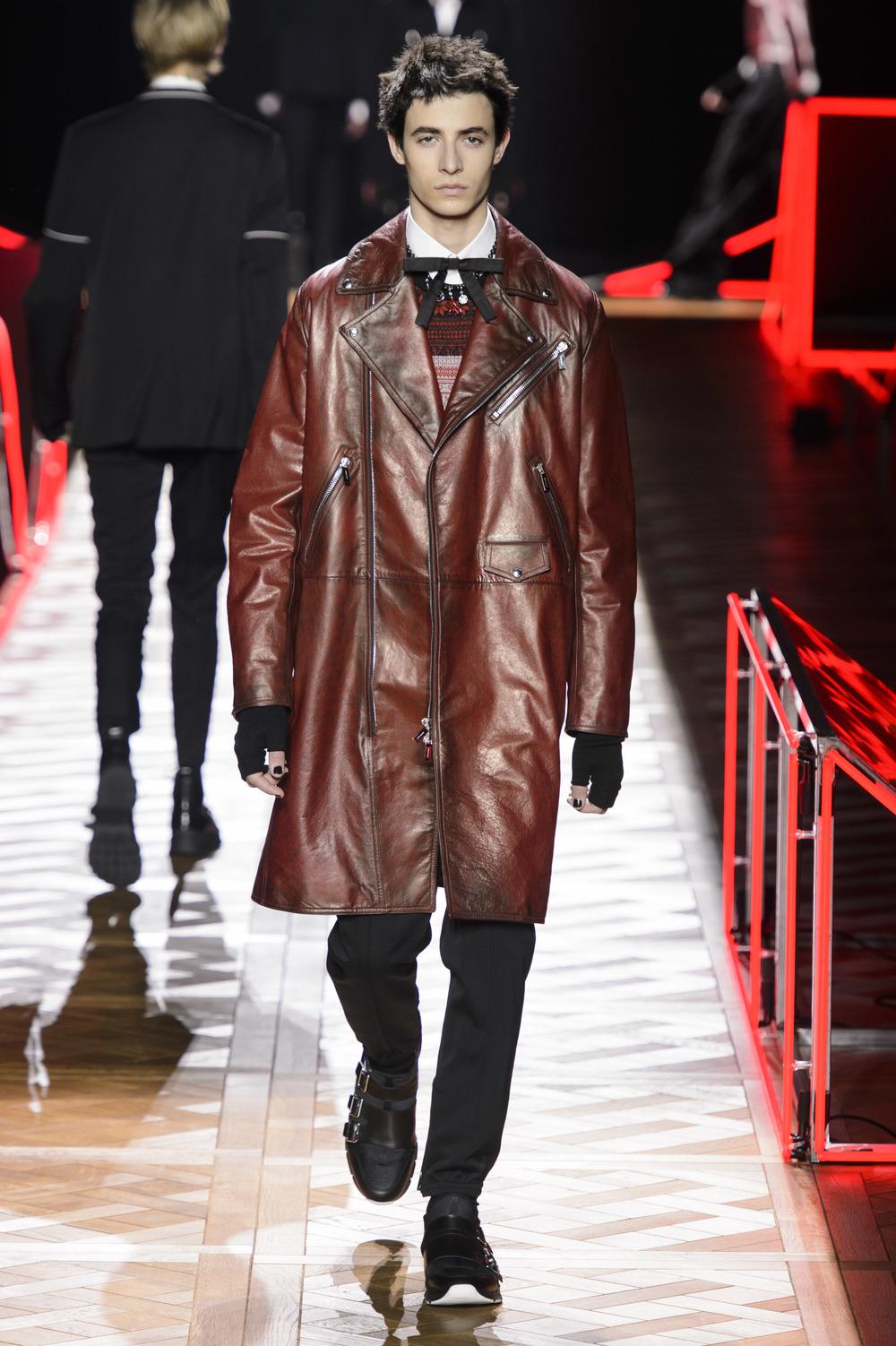 Dior_Homme_Hiver2016-17_look_07.JPG