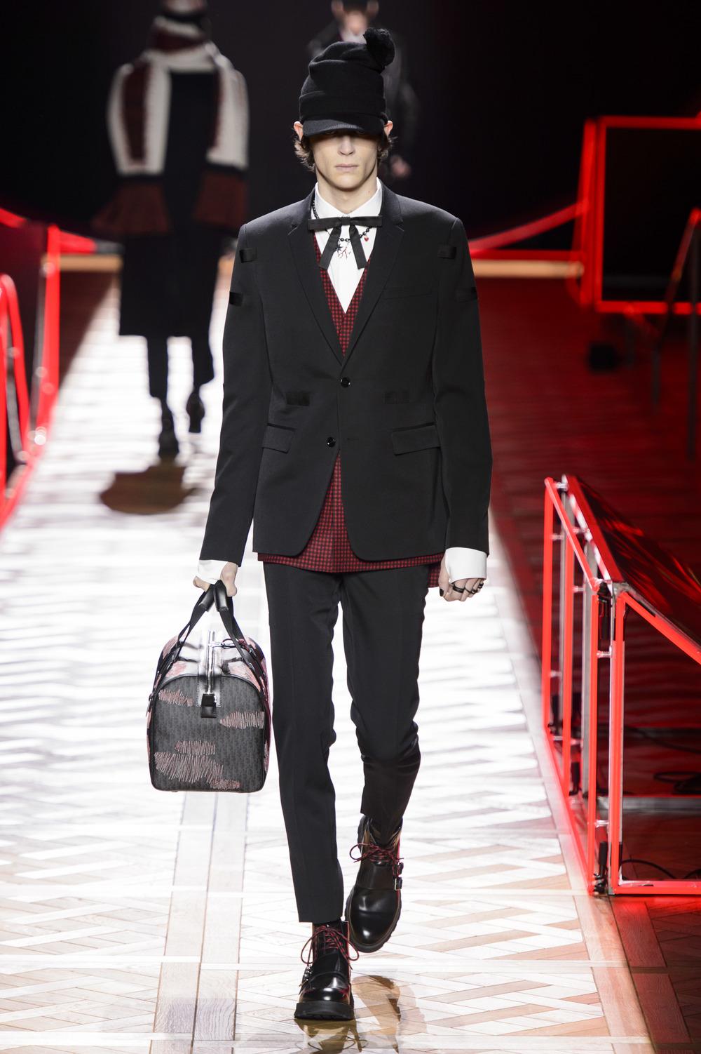 Dior_Homme_Hiver2016-17_look_12.JPG