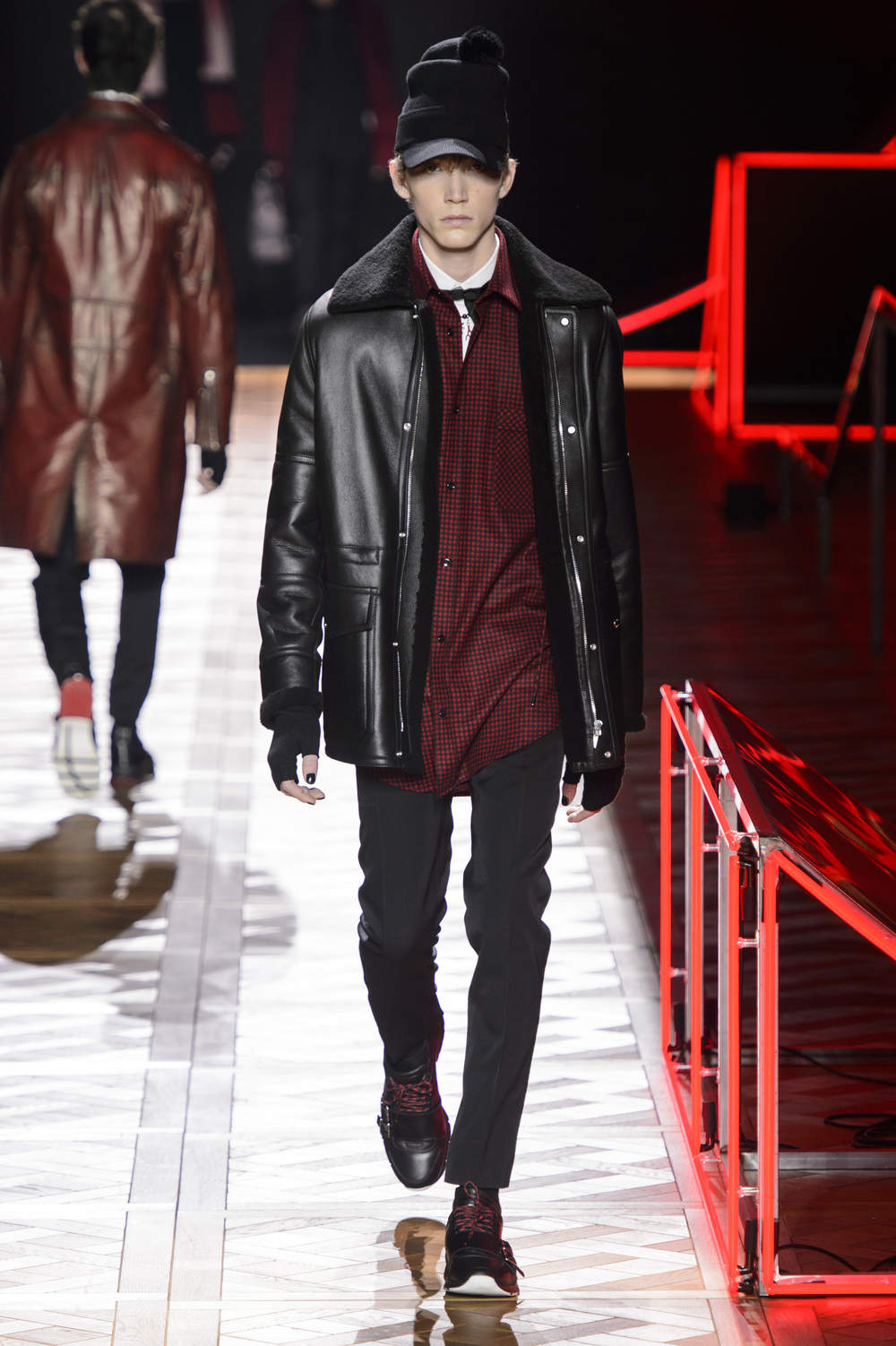 Dior_Homme_Hiver2016-17_look_13.JPG