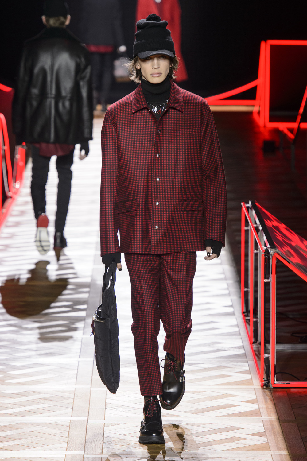 Dior_Homme_Hiver2016-17_look_18.JPG