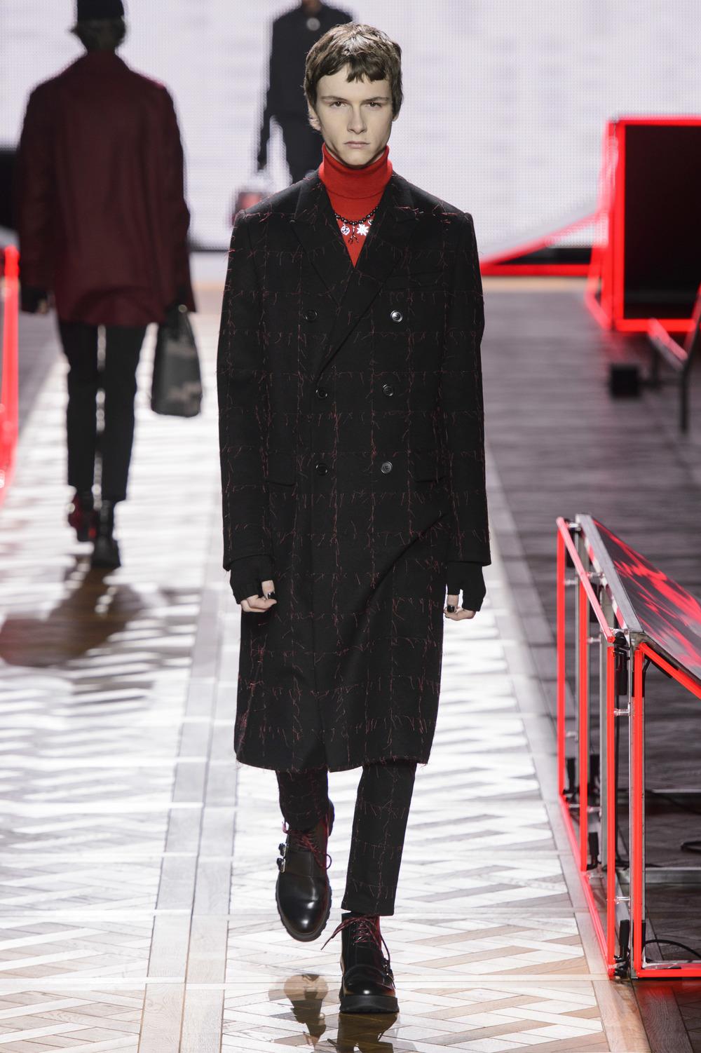 Dior_Homme_Hiver2016-17_look_20.JPG