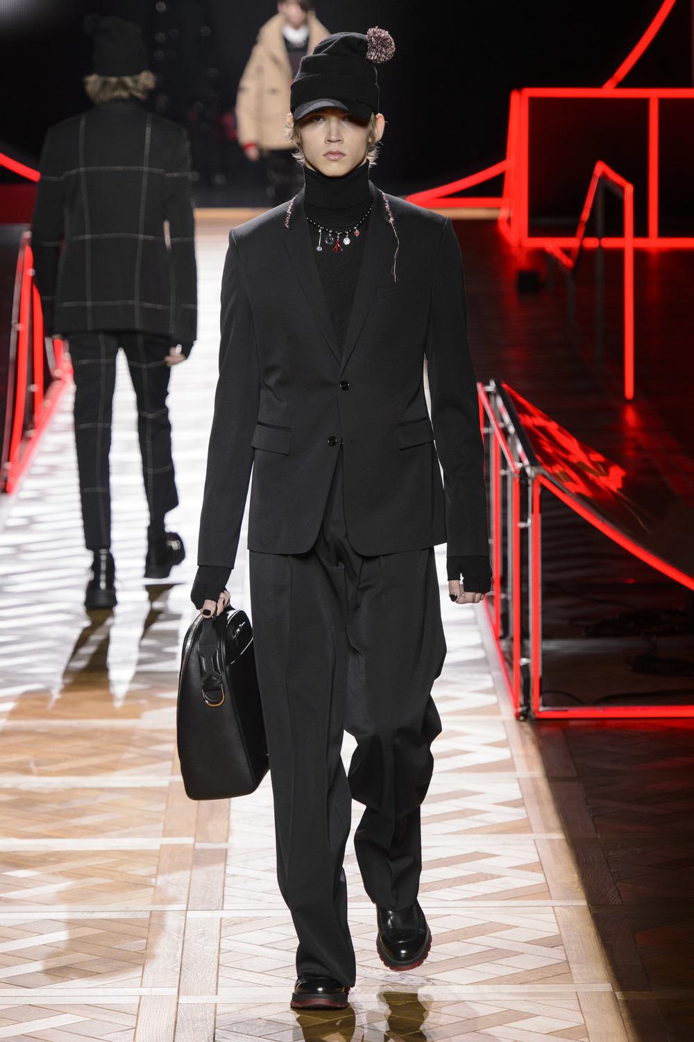 Dior_Homme_Hiver2016-17_look_27.JPG