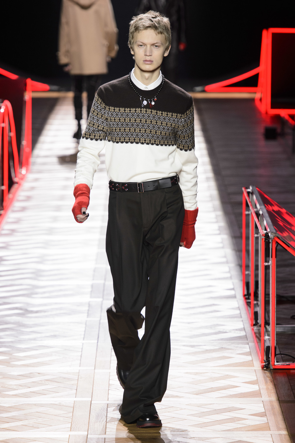 Dior_Homme_Hiver2016-17_look_31.JPG