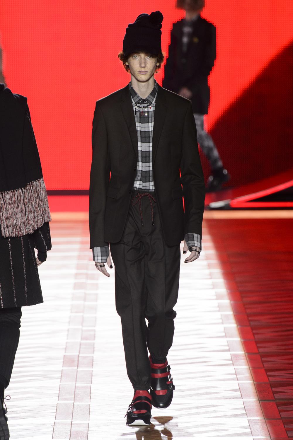 Dior_Homme_Hiver2016-17_look_35.JPG
