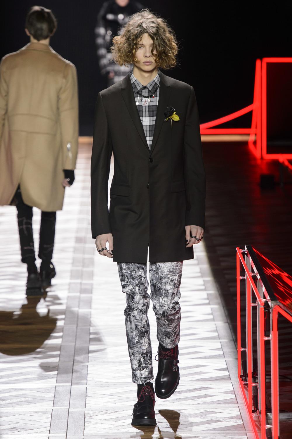 Dior_Homme_Hiver2016-17_look_36.JPG