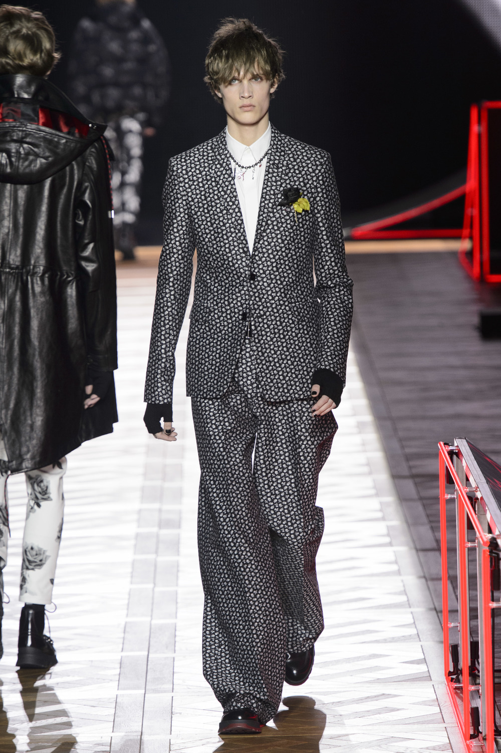 Dior_Homme_Hiver2016-17_look_49.JPG