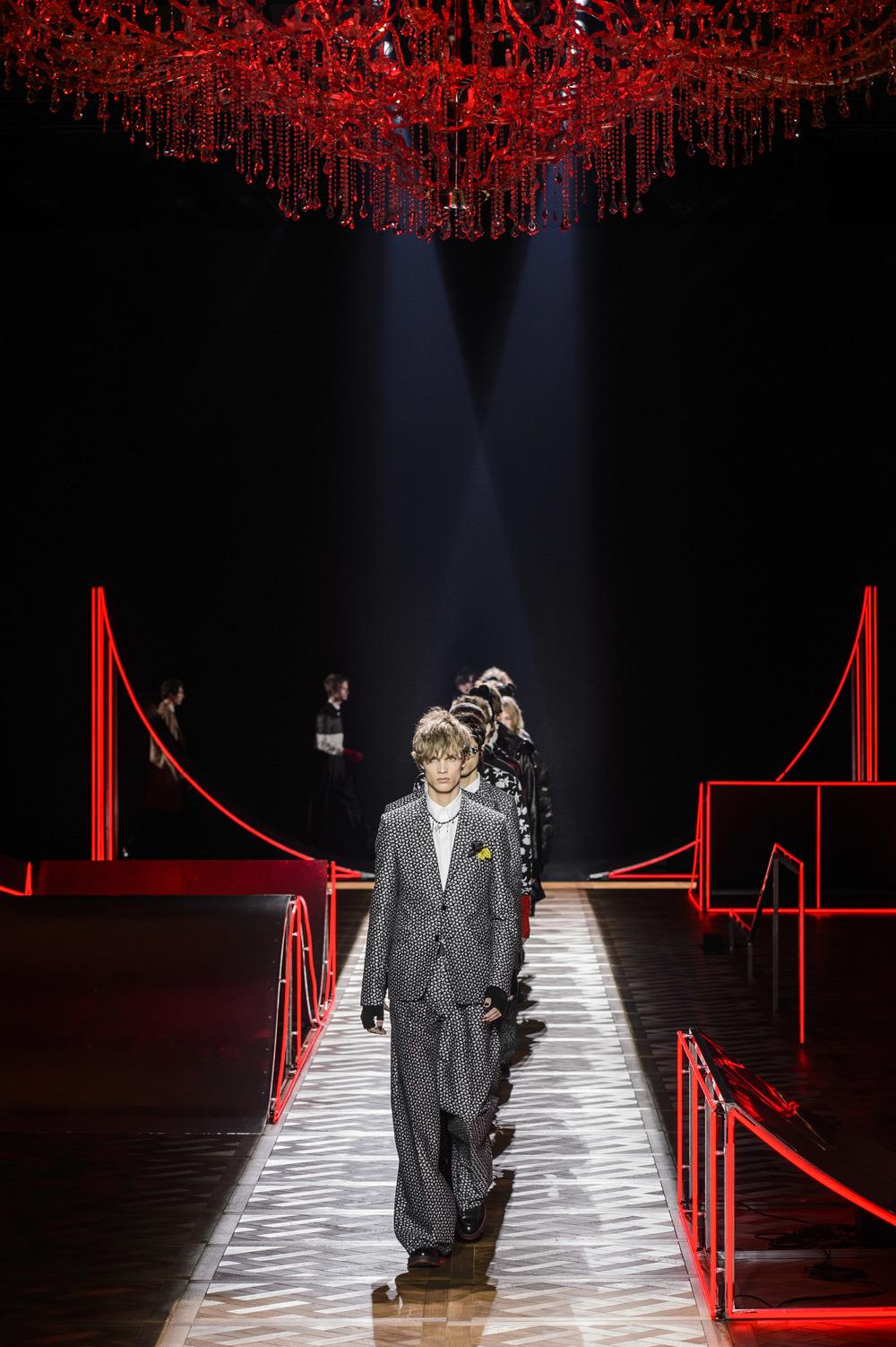 Dior_Homme_Hiver2016-17_look_51.JPG