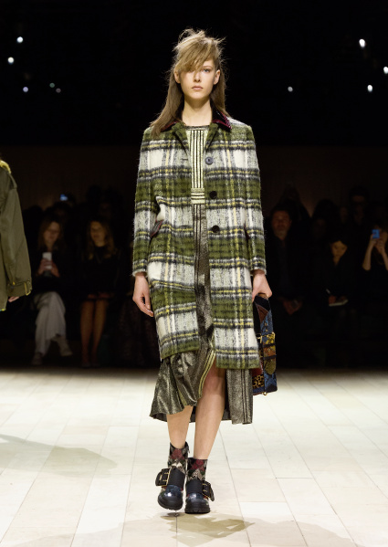 Burberry Womenswear February 2016 Collection - Look 10.jpg