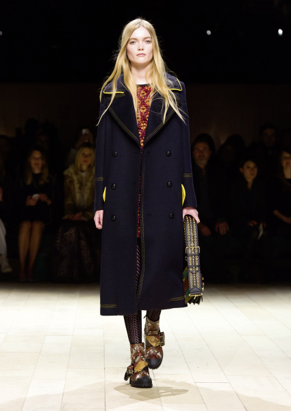 Burberry Womenswear February 2016 Collection - Look 36.jpg