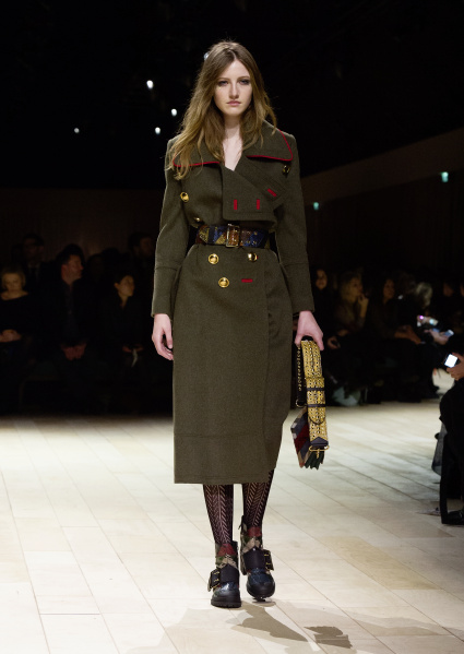 Burberry Womenswear February 2016 Collection - Look 45.jpg