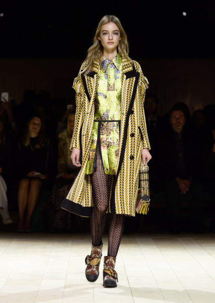 Burberry Womenswear February 2016 Collection - Look 51.jpg