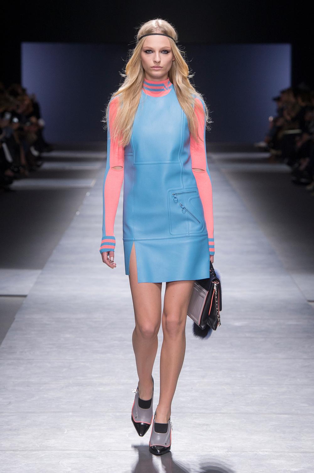 Versace_Women_FW16_016.JPG