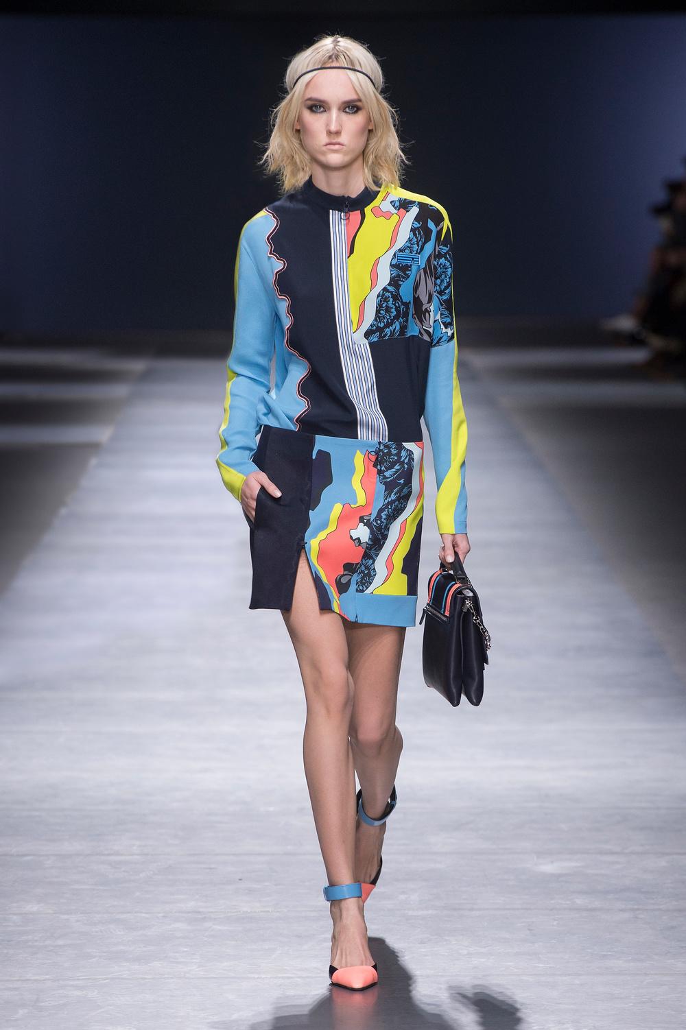 Versace_Women_FW16_021.JPG