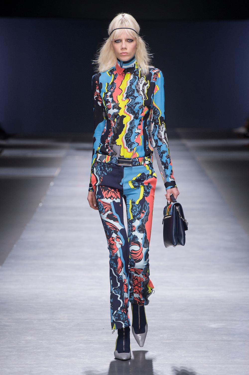 Versace_Women_FW16_022.JPG