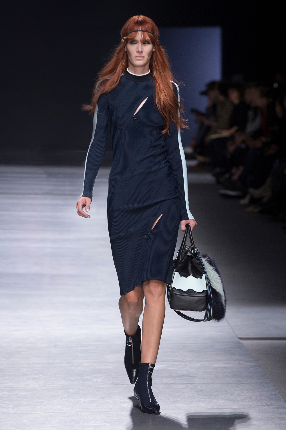 Versace_Women_FW16_033.JPG