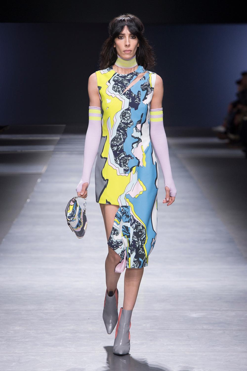 Versace_Women_FW16_041.JPG