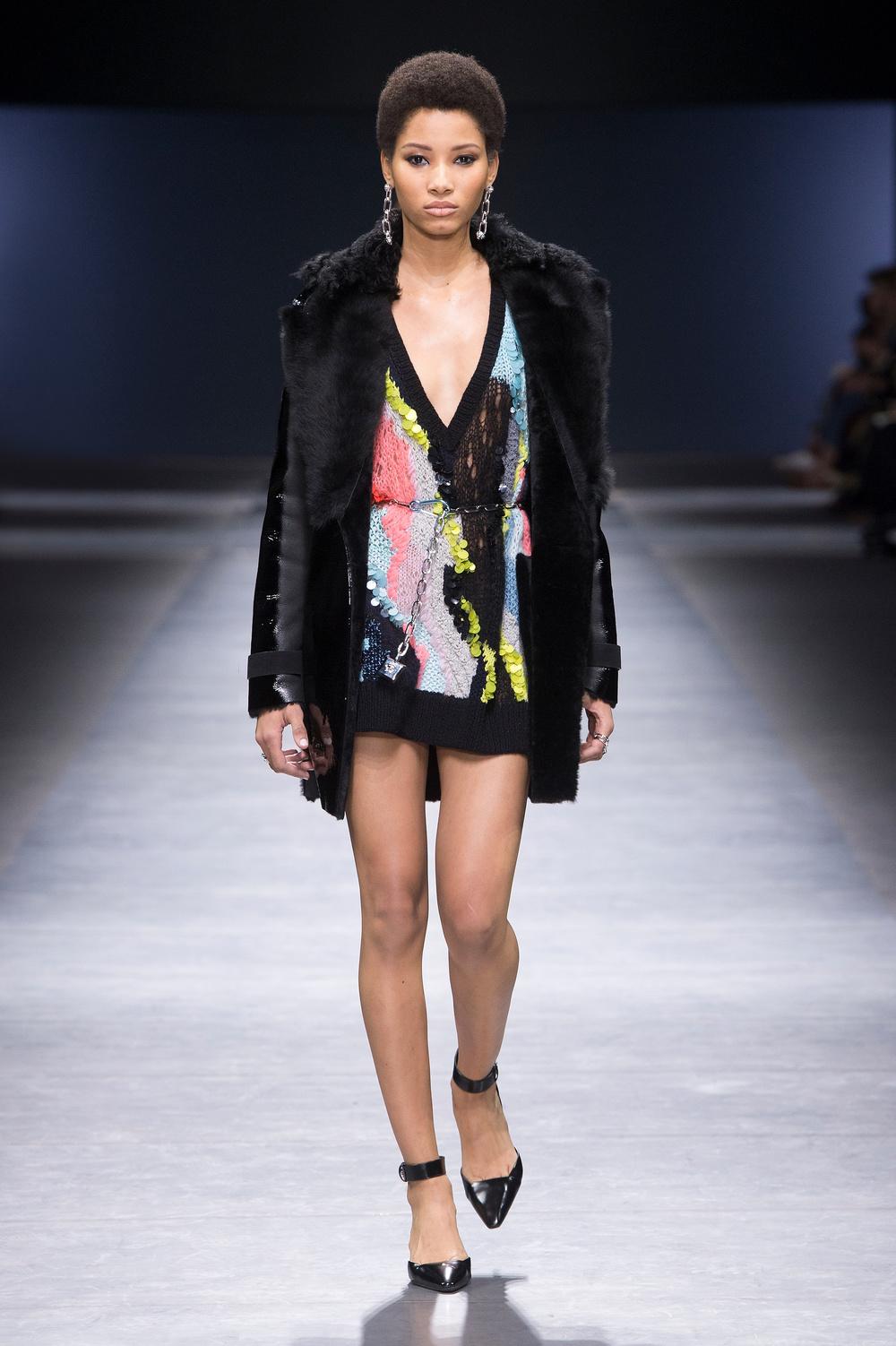Versace_Women_FW16_052.JPG