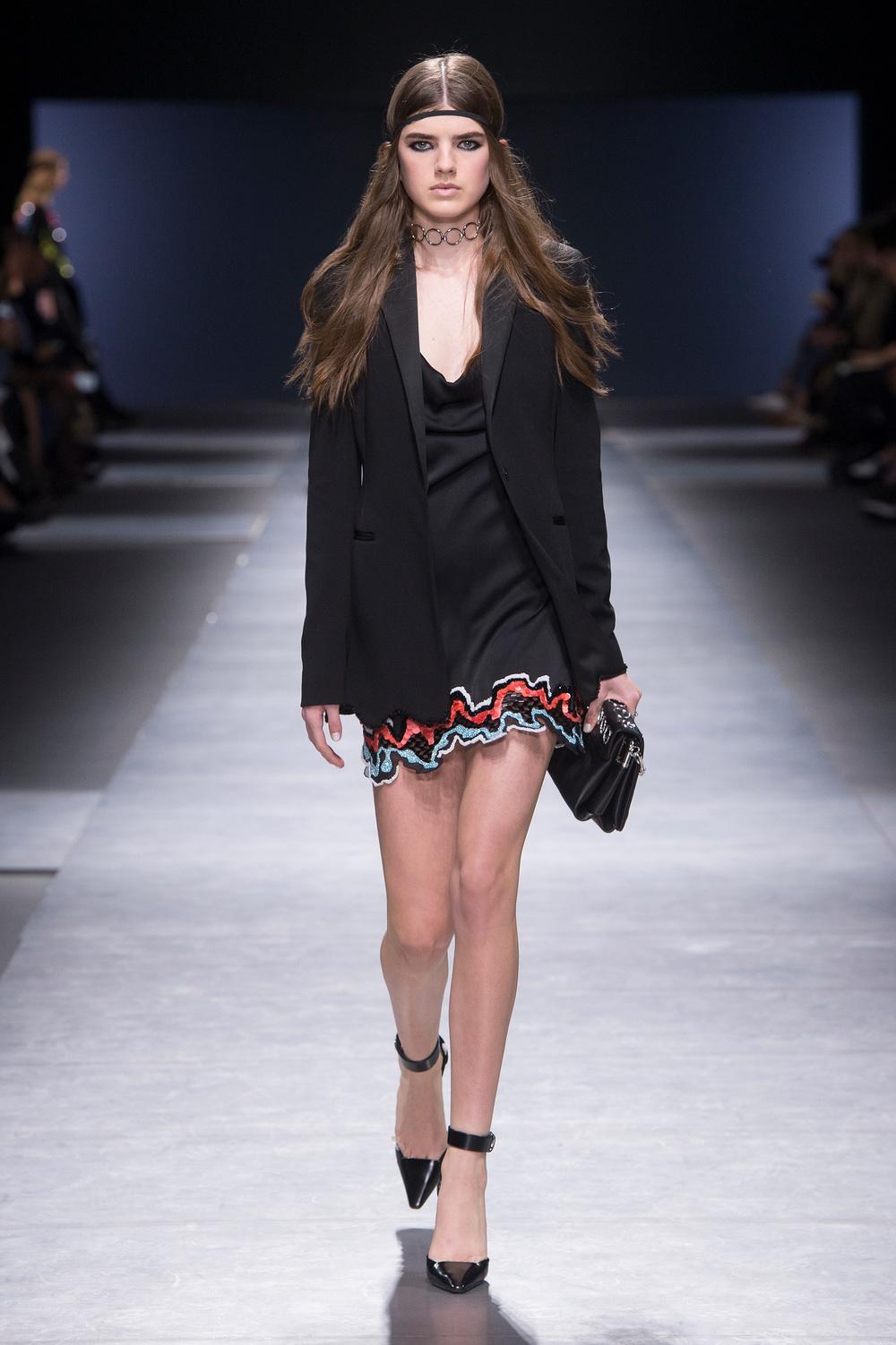 Versace_Women_FW16_054.JPG