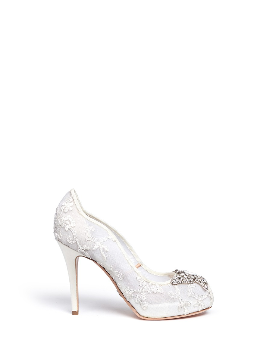 'Farfalla' butterfly pumps