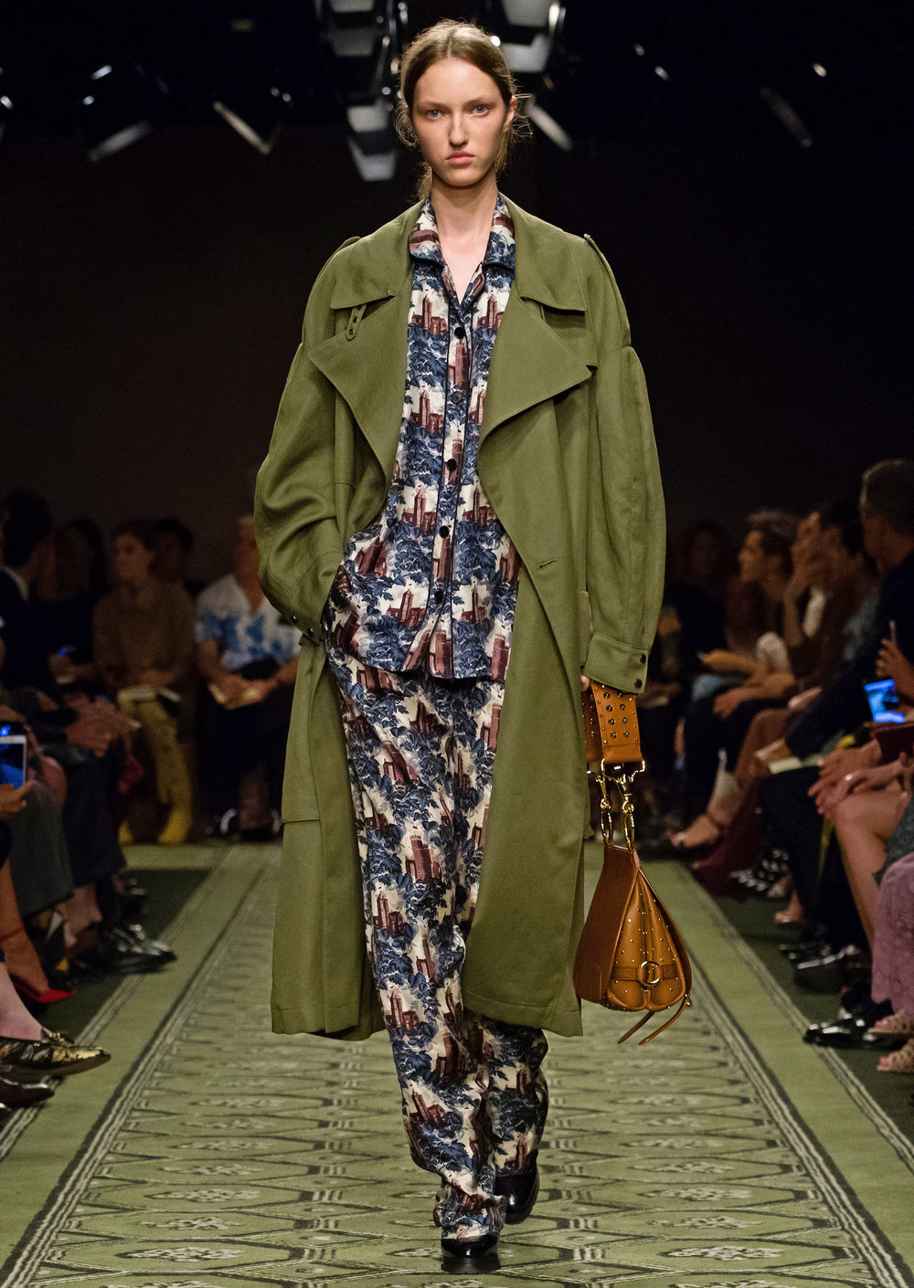 Burberry September 2016 Collection - Look 22.jpg