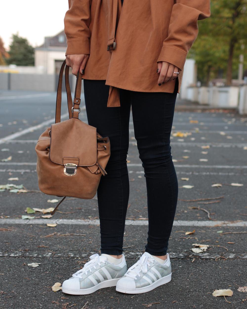 Meine neueste Erkenntnis in meiner Outfit-Auswahl: Ein ausgefallener Schuh, macht das Outfit schön im Nu'! Dem Thema Schuh möchte ich mich aber noch ausgiebig in einem weiteren Blog Post widmen.